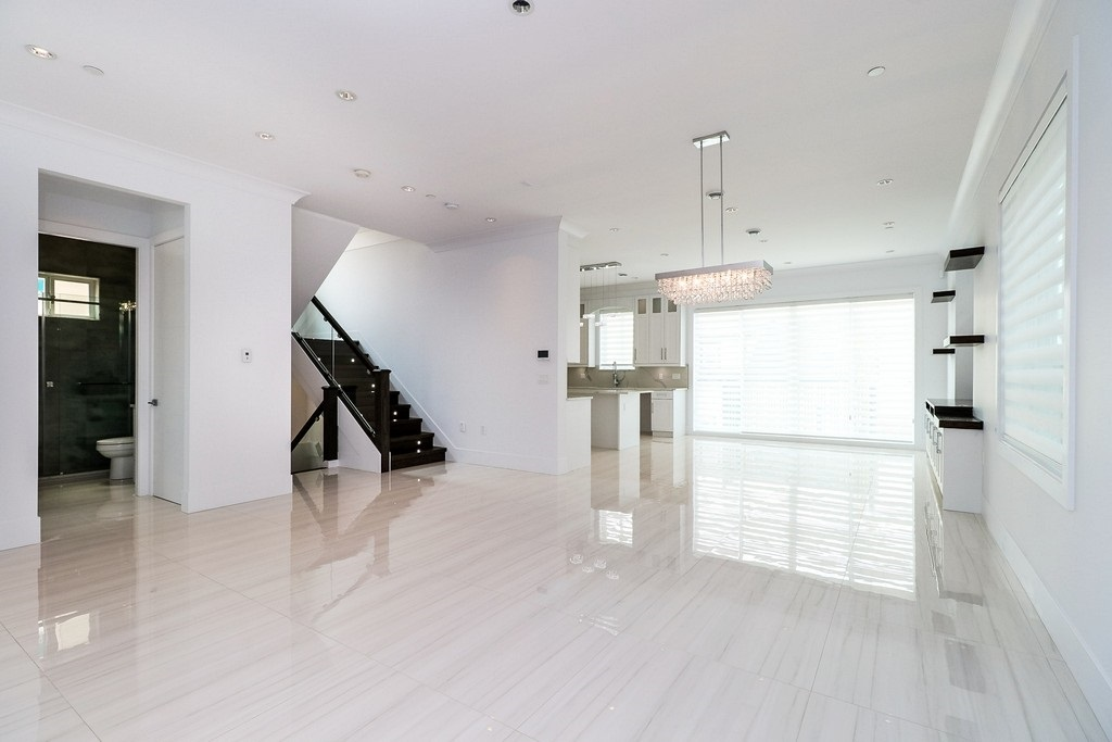 Detached at 3933 SLOCAN STREET, Vancouver East, British Columbia. Image 3