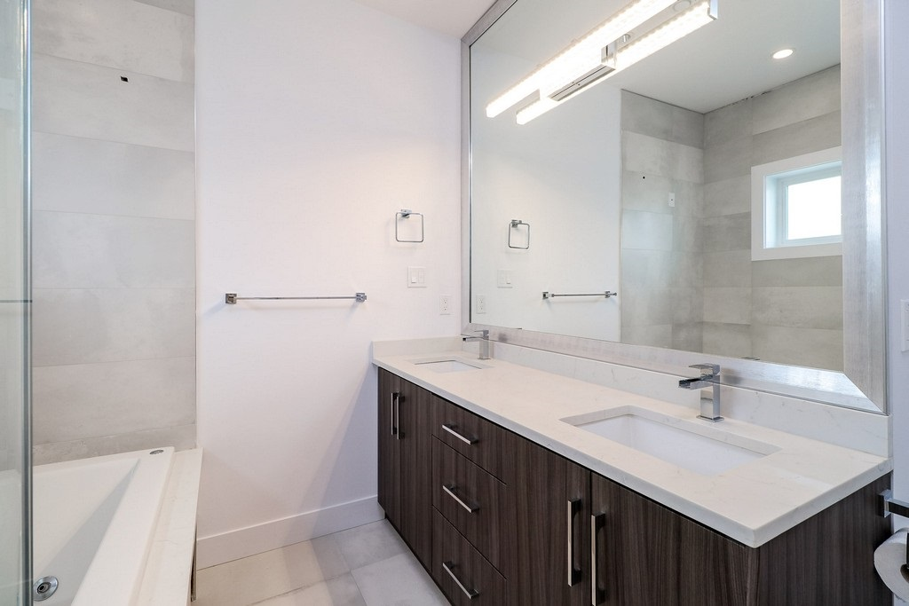 Detached at 3933 SLOCAN STREET, Vancouver East, British Columbia. Image 11