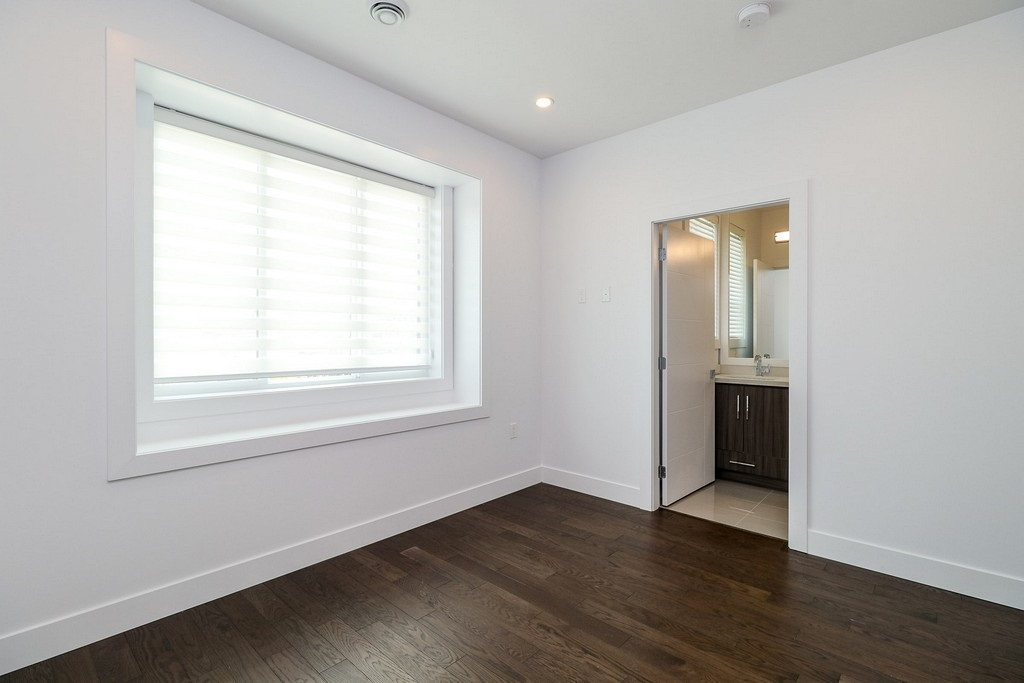 Detached at 3933 SLOCAN STREET, Vancouver East, British Columbia. Image 13