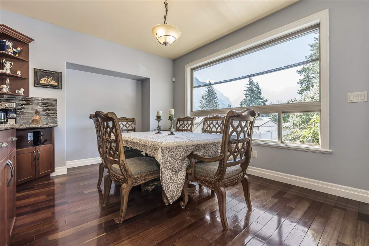 Detached at 740 6TH AVENUE, Hope, British Columbia. Image 5