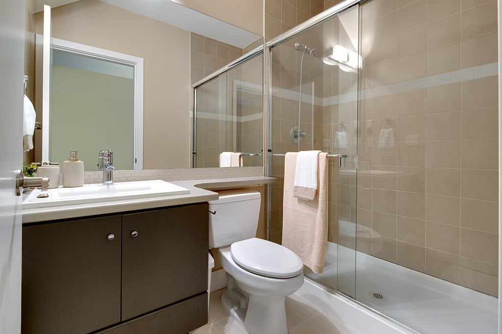 Townhouse at 2 728 W 14TH STREET, Unit 2, North Vancouver, British Columbia. Image 5