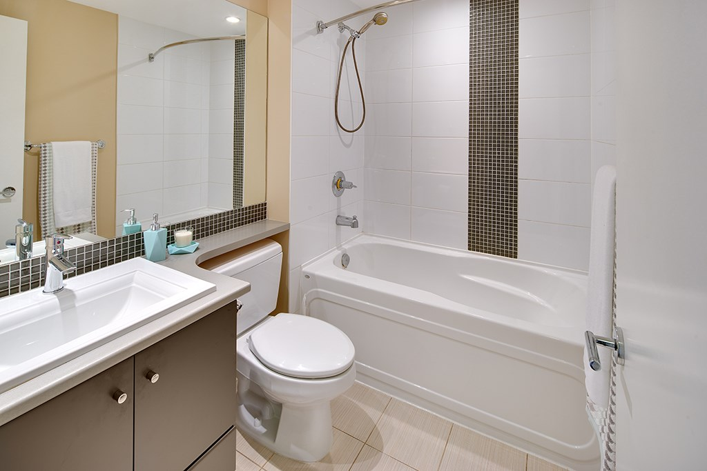 Townhouse at 2 728 W 14TH STREET, Unit 2, North Vancouver, British Columbia. Image 7