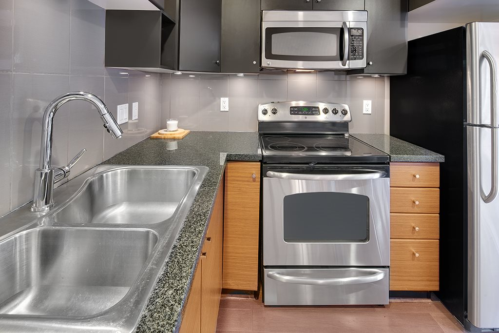 Townhouse at 2 728 W 14TH STREET, Unit 2, North Vancouver, British Columbia. Image 11