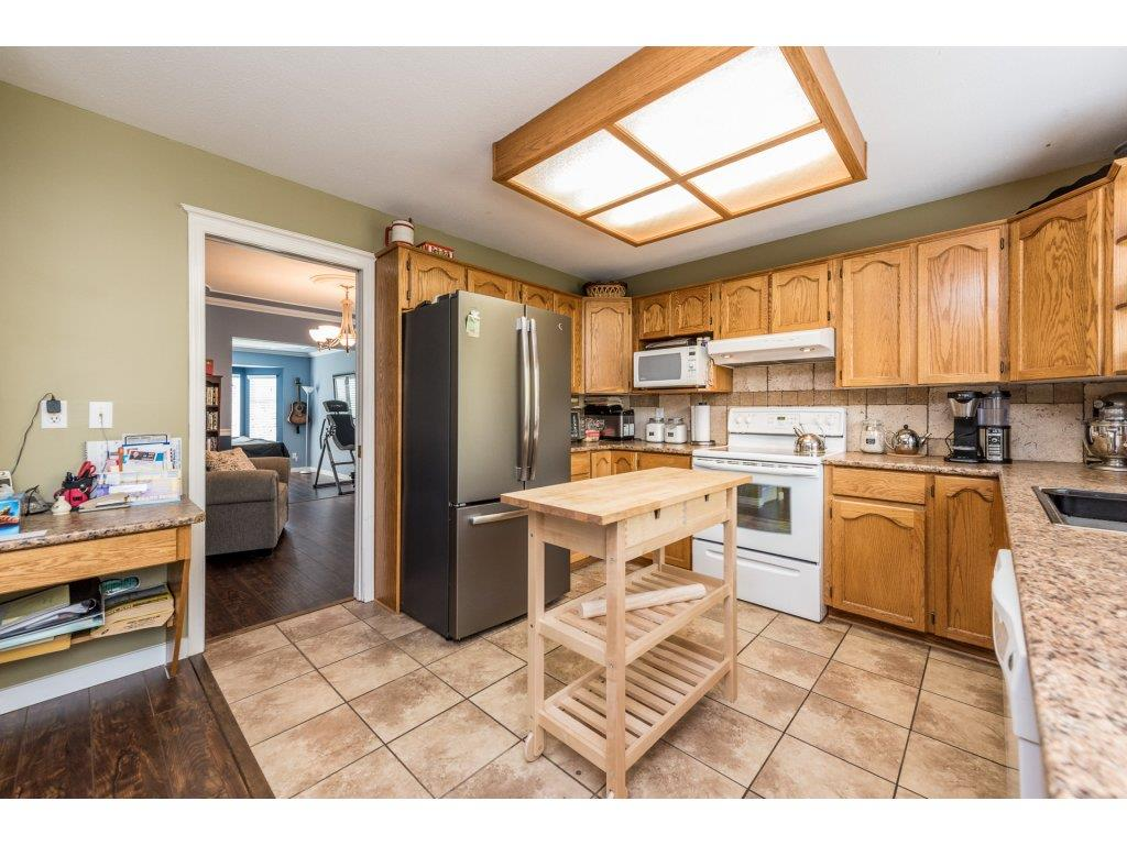 Detached at 18843 63A AVENUE, Cloverdale, British Columbia. Image 5