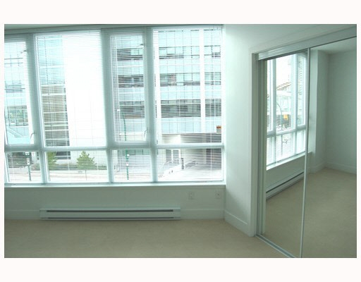 Condo Apartment at 202 4808 HAZEL STREET, Unit 202, Burnaby South, British Columbia. Image 6