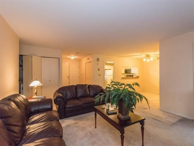 Townhouse at 3980 CREEKSIDE PLACE, Burnaby South, British Columbia. Image 6