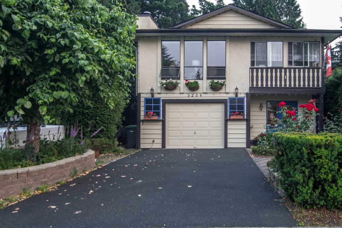 Detached at 3234 SALT SPRING AVENUE, Coquitlam, British Columbia. Image 1