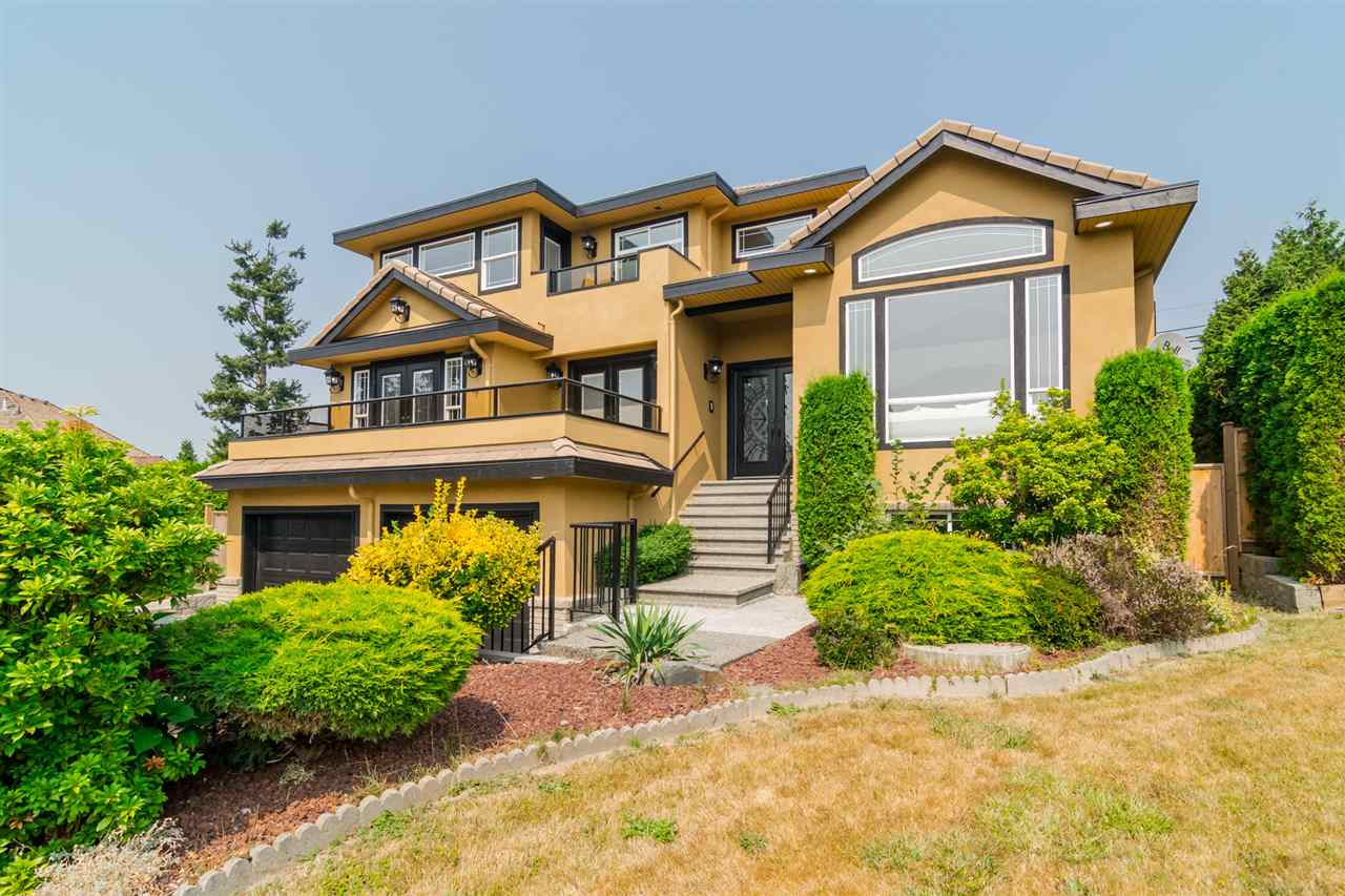 Detached at 5537 185A STREET, Cloverdale, British Columbia. Image 2