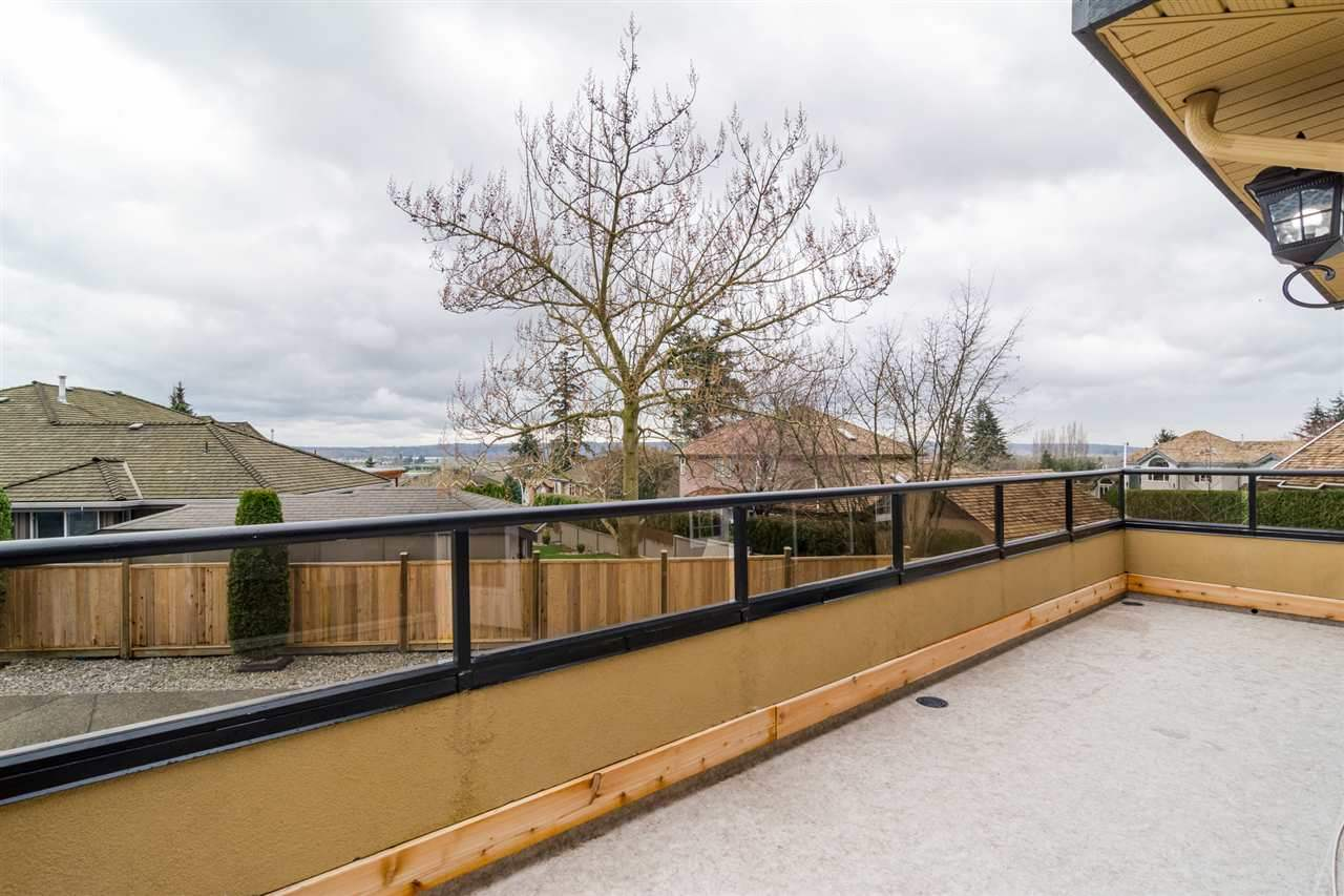 Detached at 5537 185A STREET, Cloverdale, British Columbia. Image 11