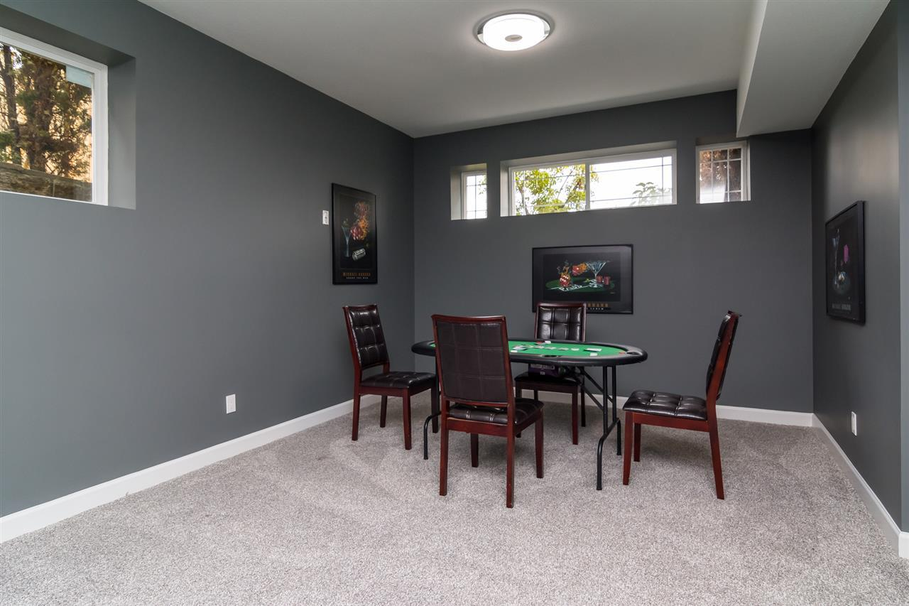 Detached at 5537 185A STREET, Cloverdale, British Columbia. Image 19
