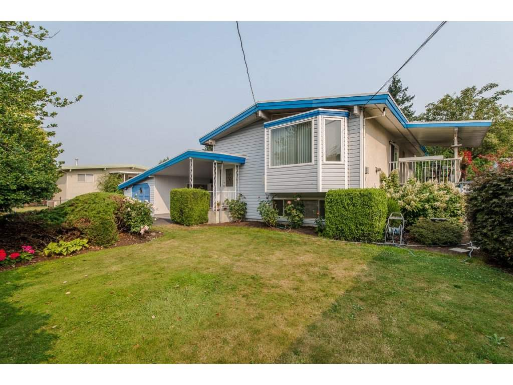 Detached at 8535 HOWARD CRESCENT, Chilliwack, British Columbia. Image 2
