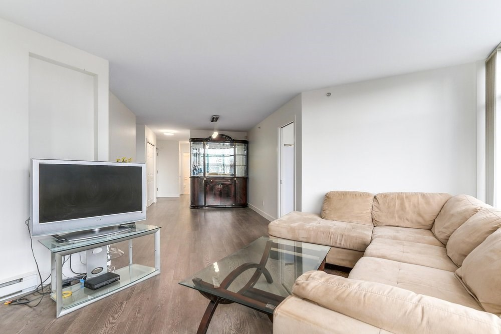 Condo Apartment at 203 4567 HAZEL STREET, Unit 203, Burnaby South, British Columbia. Image 4