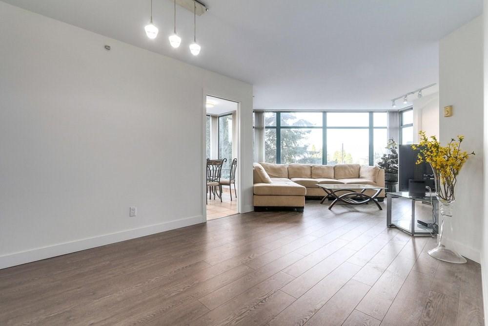 Condo Apartment at 203 4567 HAZEL STREET, Unit 203, Burnaby South, British Columbia. Image 5