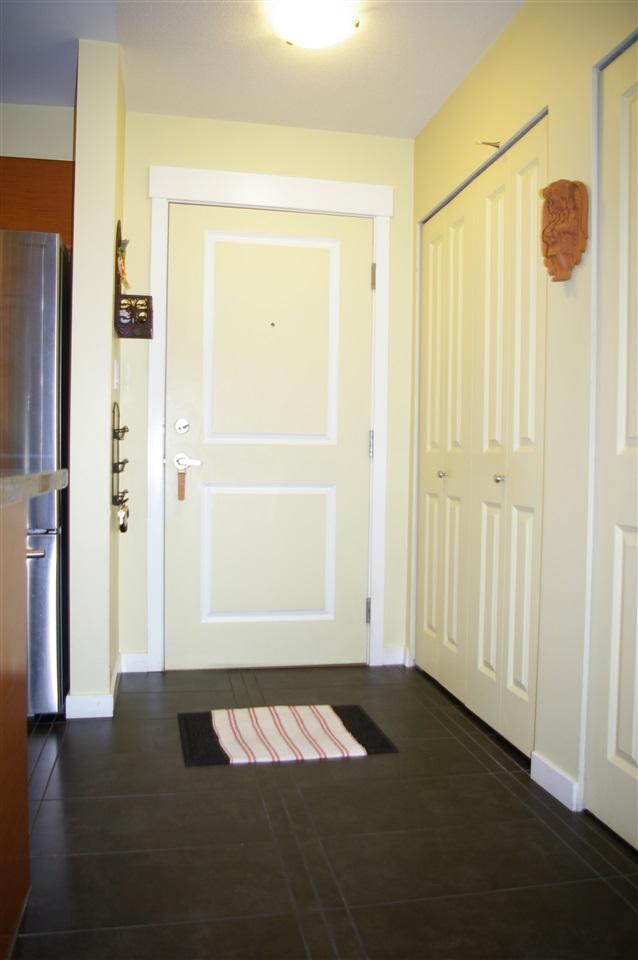 Condo Apartment at 108 1704 56 STREET, Unit 108, Tsawwassen, British Columbia. Image 2