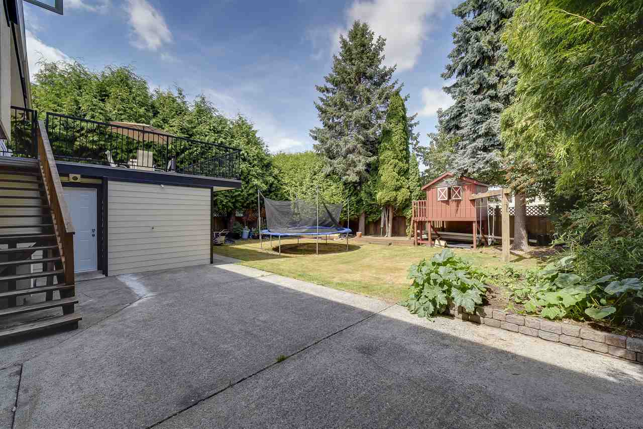 Detached at 5389 45 AVENUE, Ladner, British Columbia. Image 15