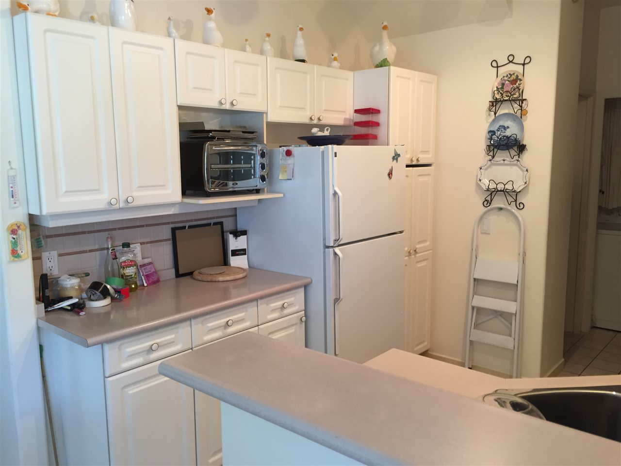 Townhouse at 28 15677 24TH AVENUE, Unit 28, South Surrey White Rock, British Columbia. Image 4