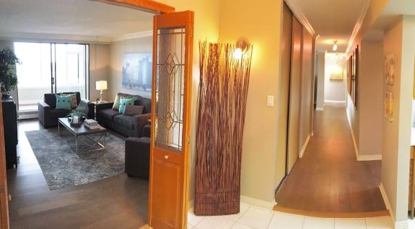 Condo Apartment at 1701 320 ROYAL AVENUE, Unit 1701, New Westminster, British Columbia. Image 5