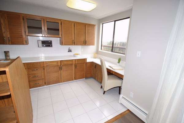 Condo Apartment at 1701 320 ROYAL AVENUE, Unit 1701, New Westminster, British Columbia. Image 8
