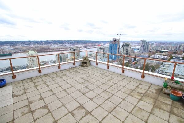 Condo Apartment at 1701 320 ROYAL AVENUE, Unit 1701, New Westminster, British Columbia. Image 14