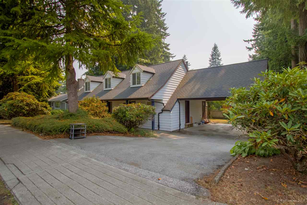 Detached at 2509 BENDALE ROAD, North Vancouver, British Columbia. Image 2