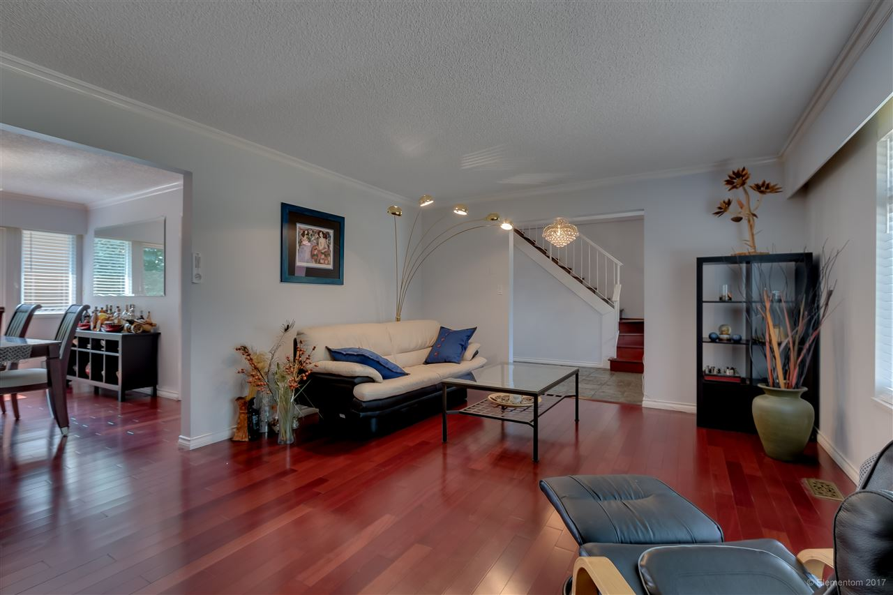 Detached at 2509 BENDALE ROAD, North Vancouver, British Columbia. Image 5