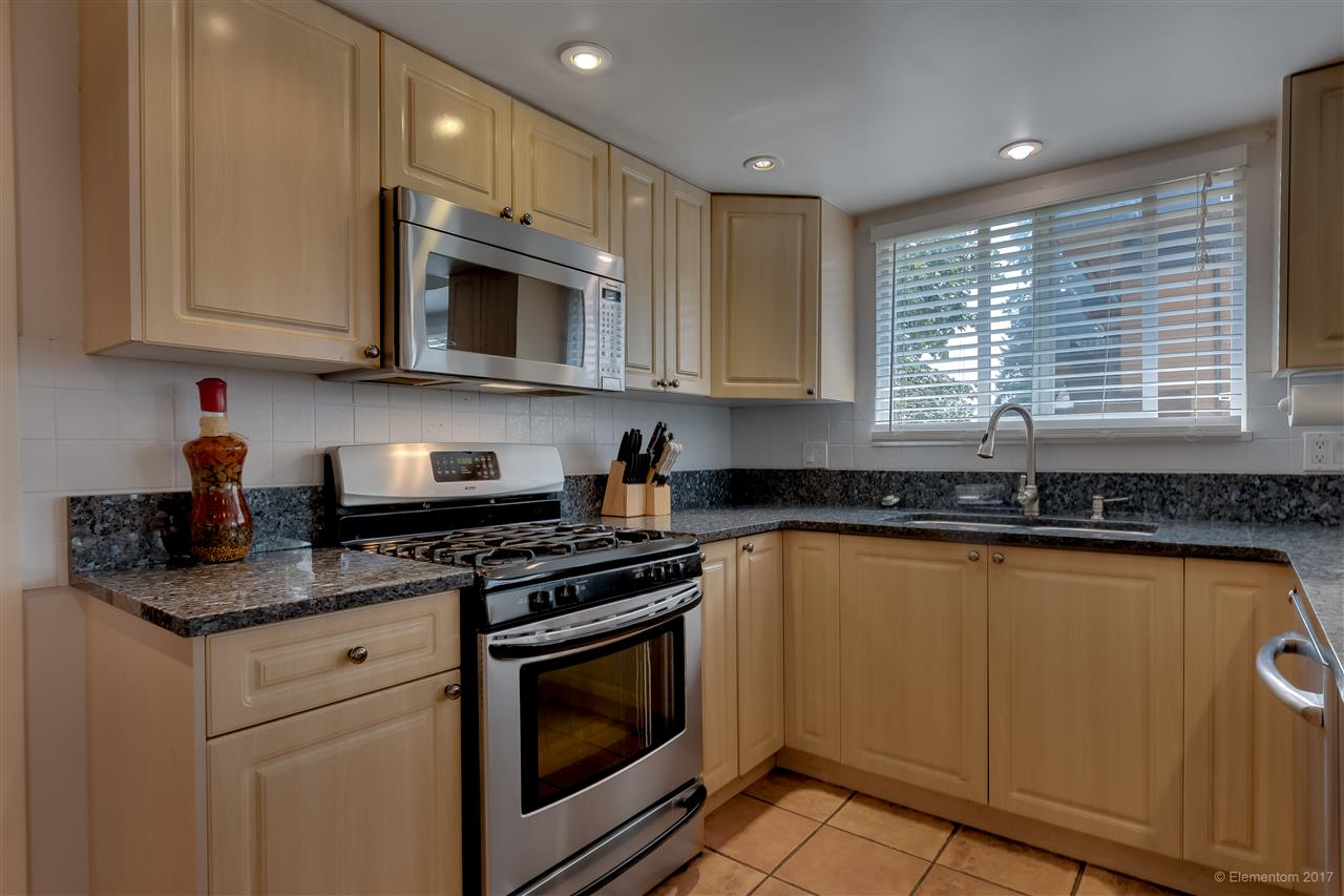 Detached at 2509 BENDALE ROAD, North Vancouver, British Columbia. Image 7