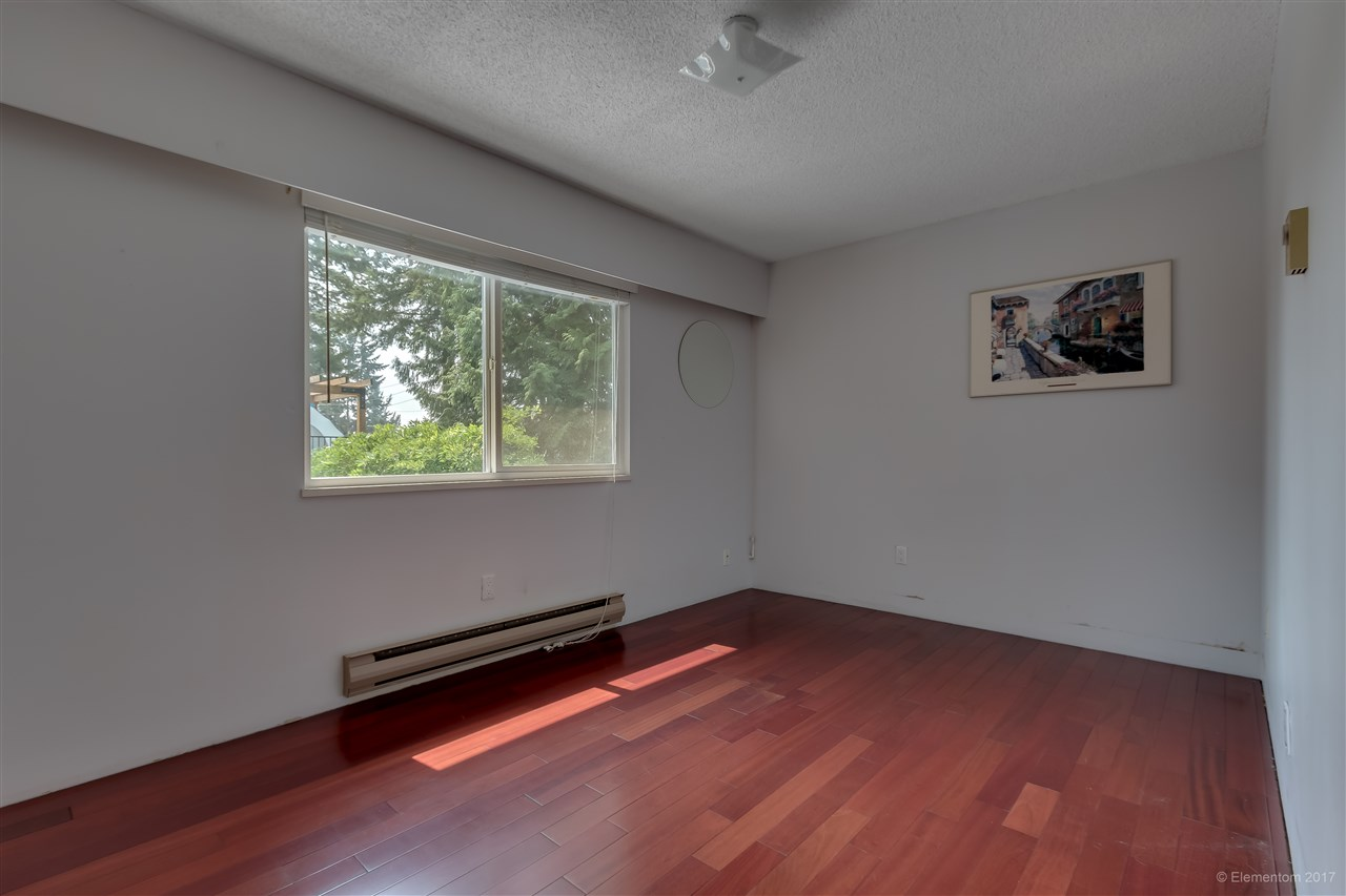 Detached at 2509 BENDALE ROAD, North Vancouver, British Columbia. Image 16