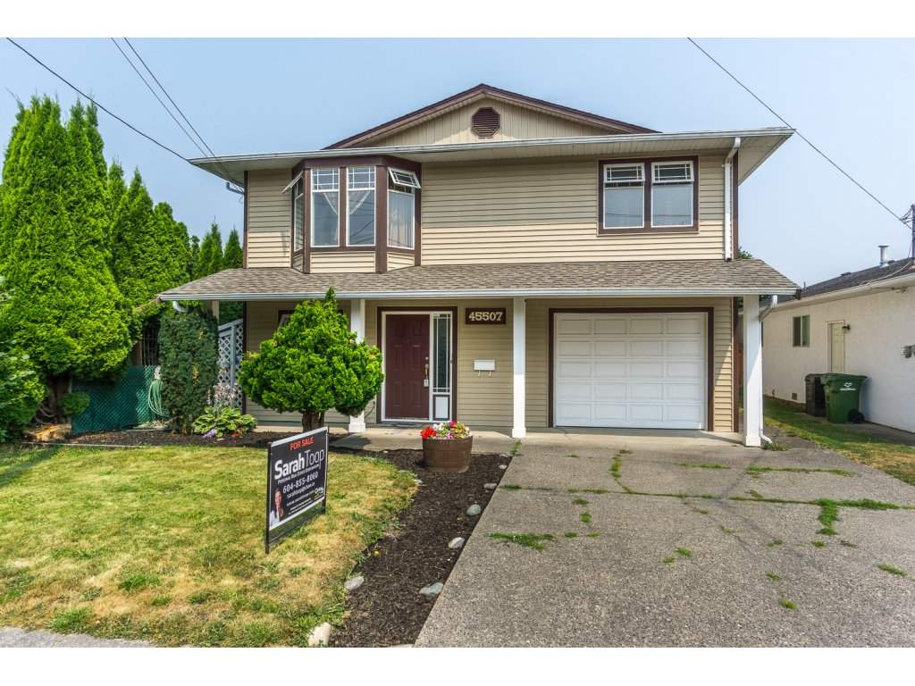 Detached at 45507 WELLINGTON AVENUE, Chilliwack, British Columbia. Image 1