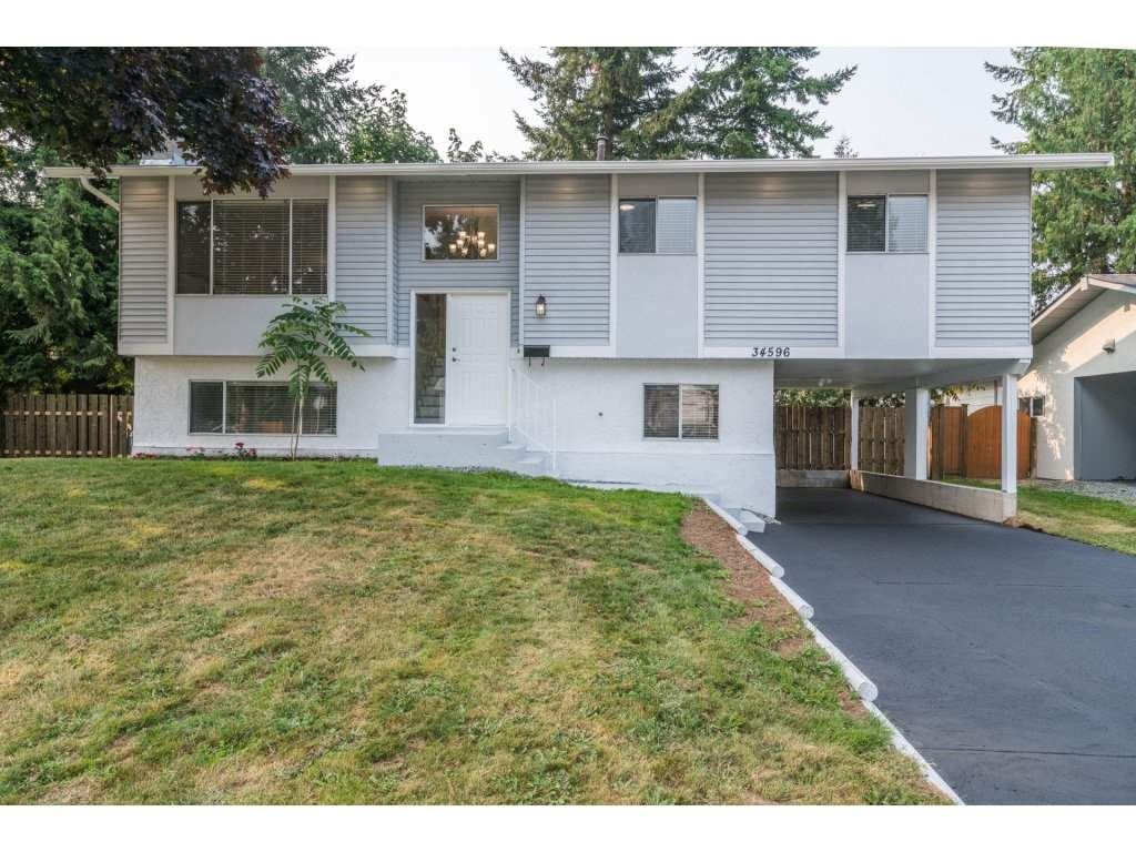Detached at 34596 PEARL AVENUE, Abbotsford, British Columbia. Image 1