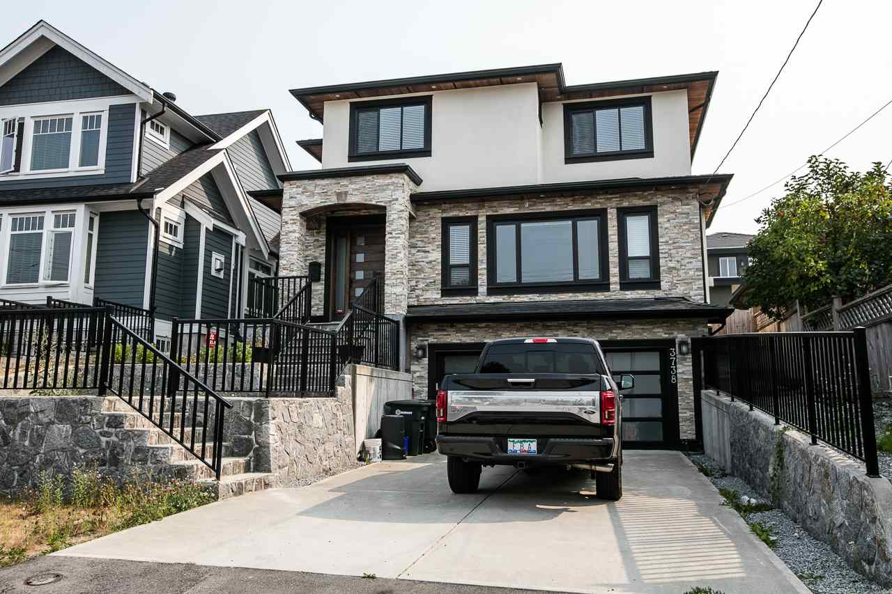 Detached at 3738 CARDIFF STREET, Burnaby South, British Columbia. Image 2