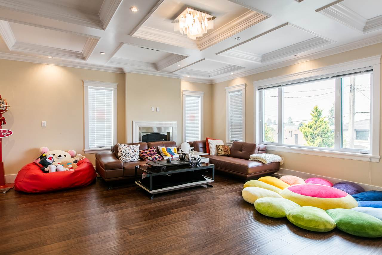 Detached at 3738 CARDIFF STREET, Burnaby South, British Columbia. Image 5
