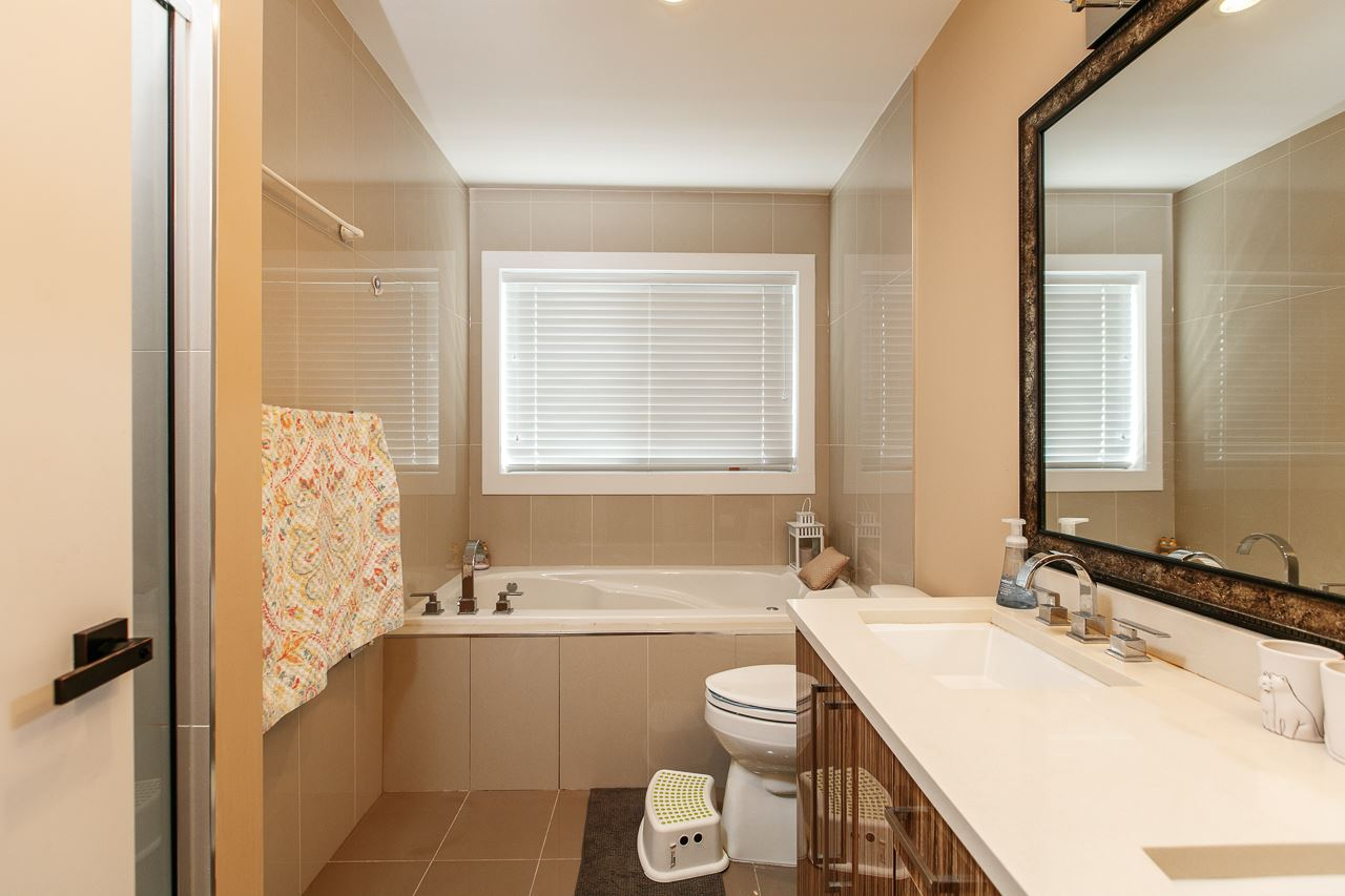 Detached at 3738 CARDIFF STREET, Burnaby South, British Columbia. Image 13