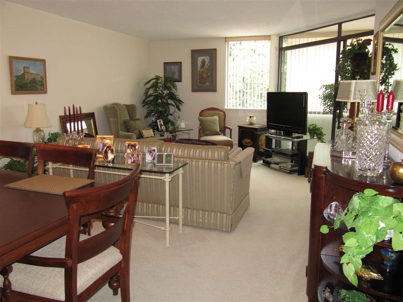 Condo Apartment at 204 1480 FOSTER STREET, Unit 204, South Surrey White Rock, British Columbia. Image 6