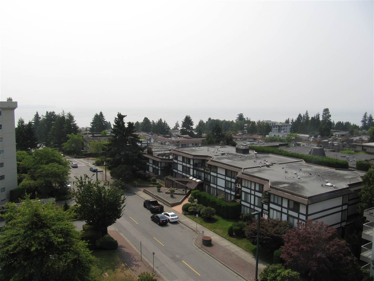 Condo Apartment at 204 1480 FOSTER STREET, Unit 204, South Surrey White Rock, British Columbia. Image 17
