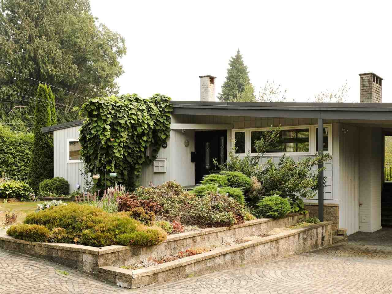 Detached at 617 SILVERDALE PLACE, North Vancouver, British Columbia. Image 1