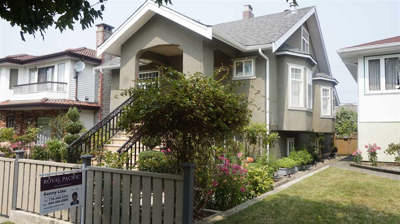 Detached at 2755 E 2ND AVENUE, Vancouver East, British Columbia. Image 2
