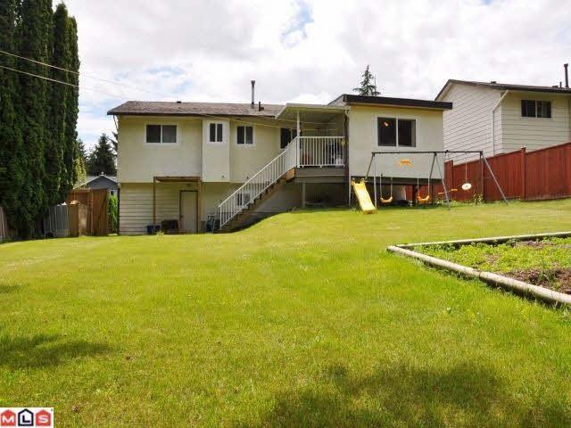 Detached at 14065 78 AVENUE, Surrey, British Columbia. Image 6
