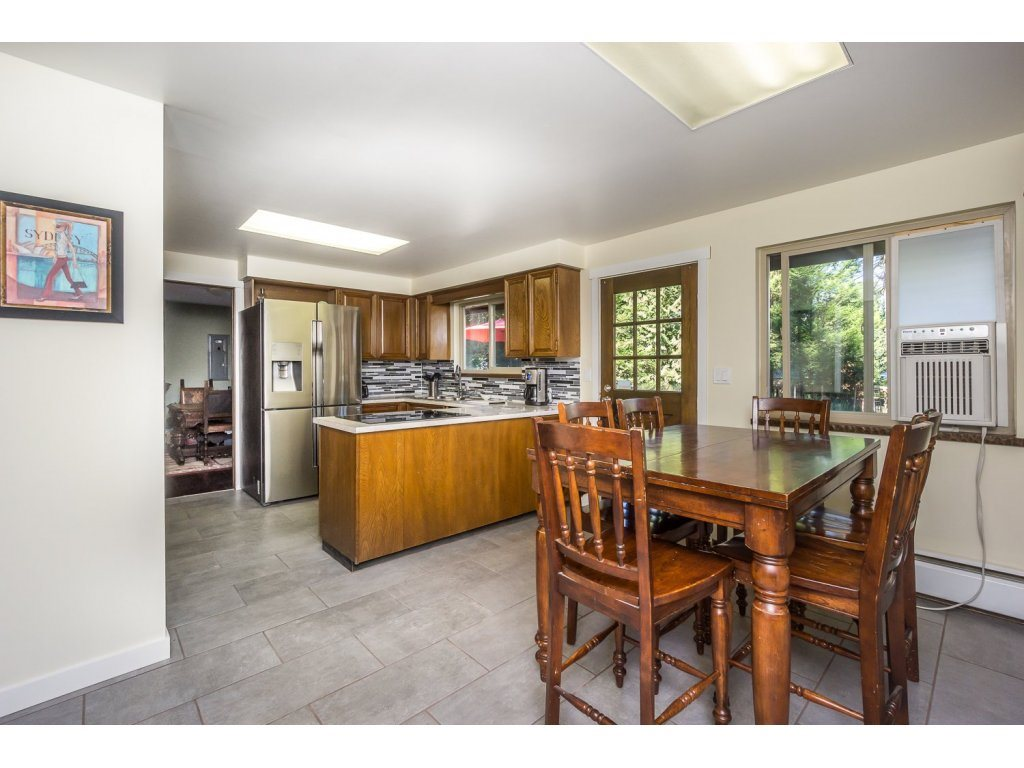 Detached at 181 CLOVERMEADOW CRESCENT, Langley, British Columbia. Image 8