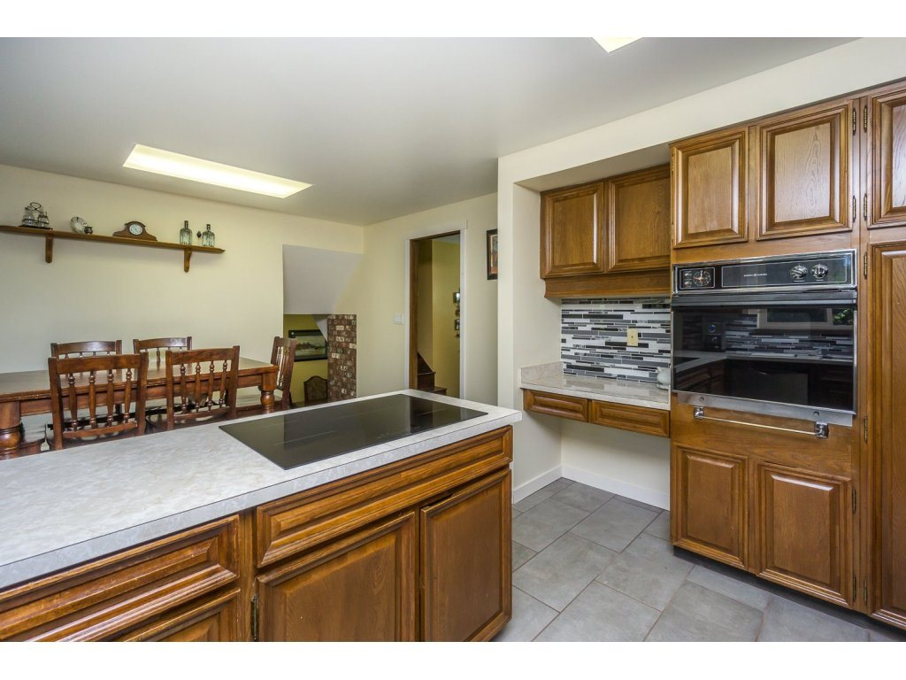 Detached at 181 CLOVERMEADOW CRESCENT, Langley, British Columbia. Image 10