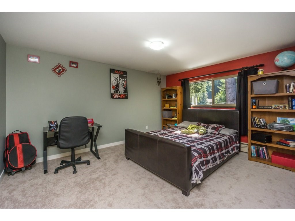 Detached at 181 CLOVERMEADOW CRESCENT, Langley, British Columbia. Image 14