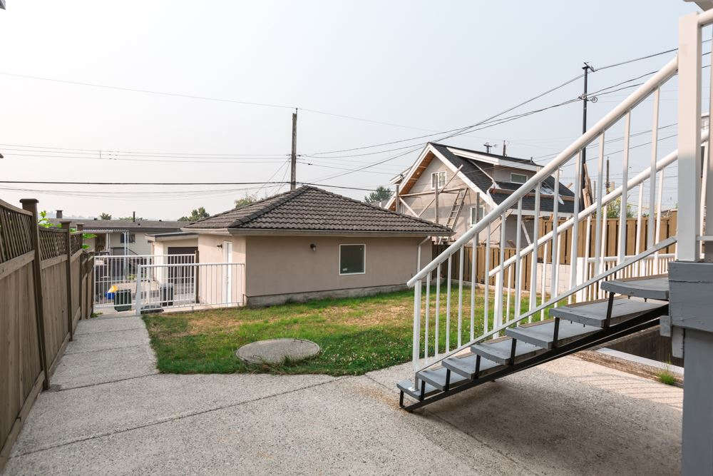 Detached at 2786 E 7TH AVENUE, Vancouver East, British Columbia. Image 2