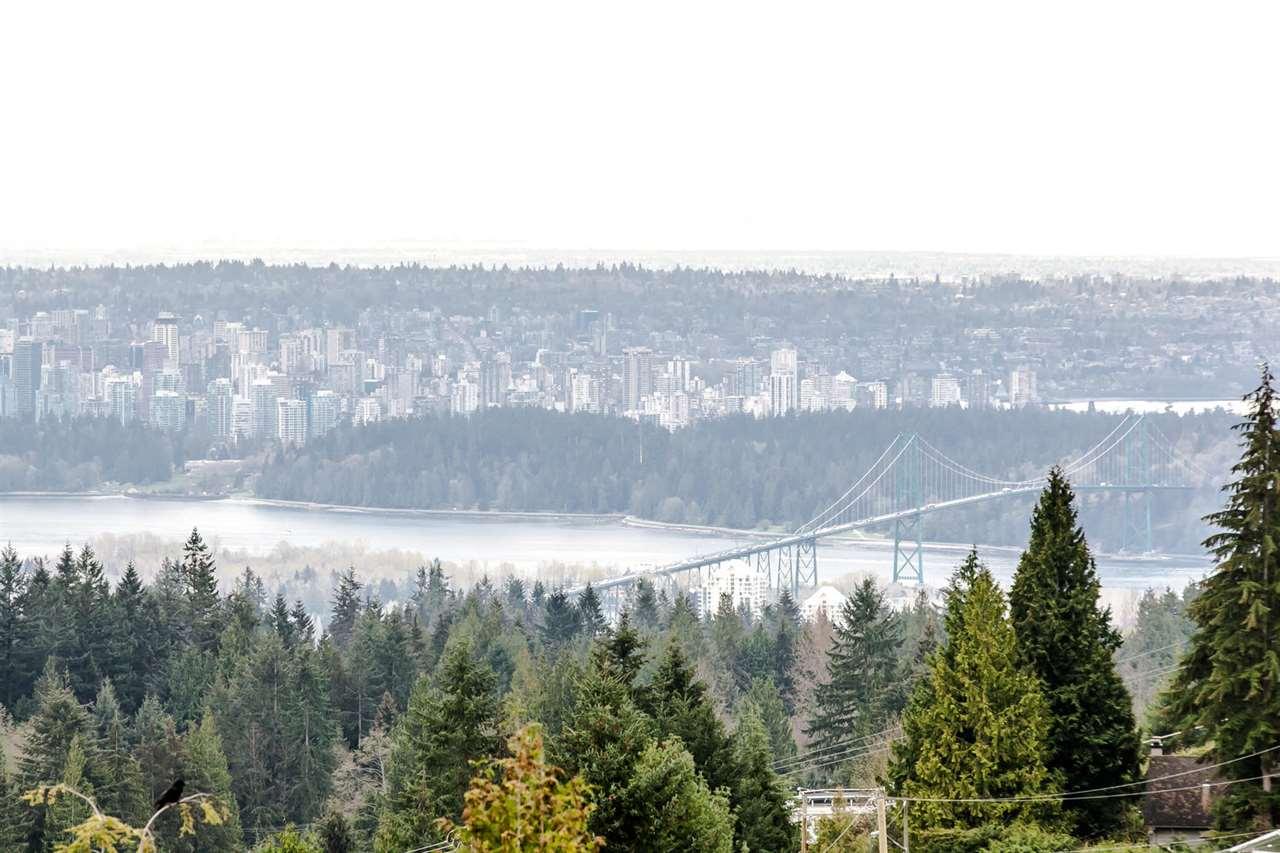 Detached at 507 CRAIGMOHR PLACE, West Vancouver, British Columbia. Image 1