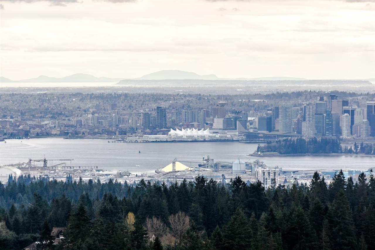 Detached at 507 CRAIGMOHR PLACE, West Vancouver, British Columbia. Image 2