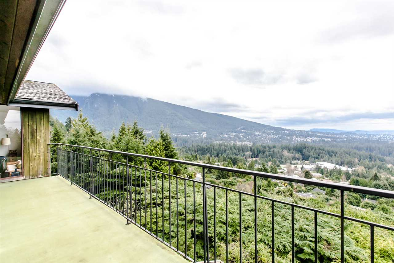 Detached at 507 CRAIGMOHR PLACE, West Vancouver, British Columbia. Image 5