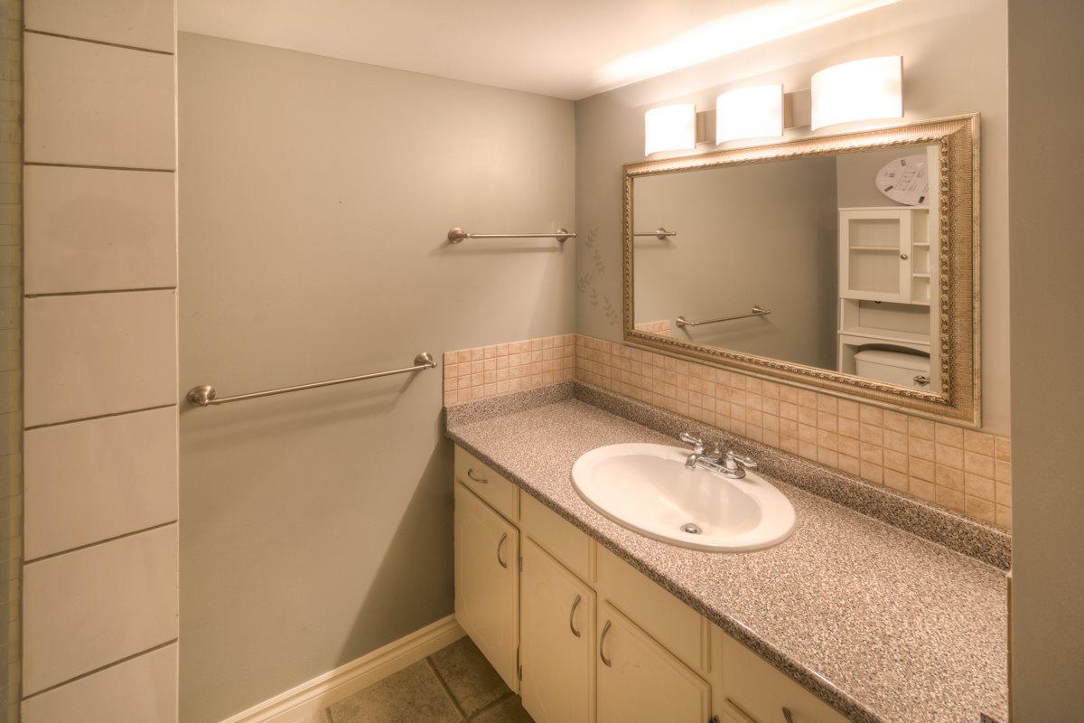 Condo Apartment at 309 625 HAMILTON STREET, Unit 309, New Westminster, British Columbia. Image 10