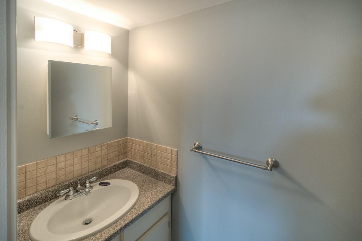Condo Apartment at 309 625 HAMILTON STREET, Unit 309, New Westminster, British Columbia. Image 15