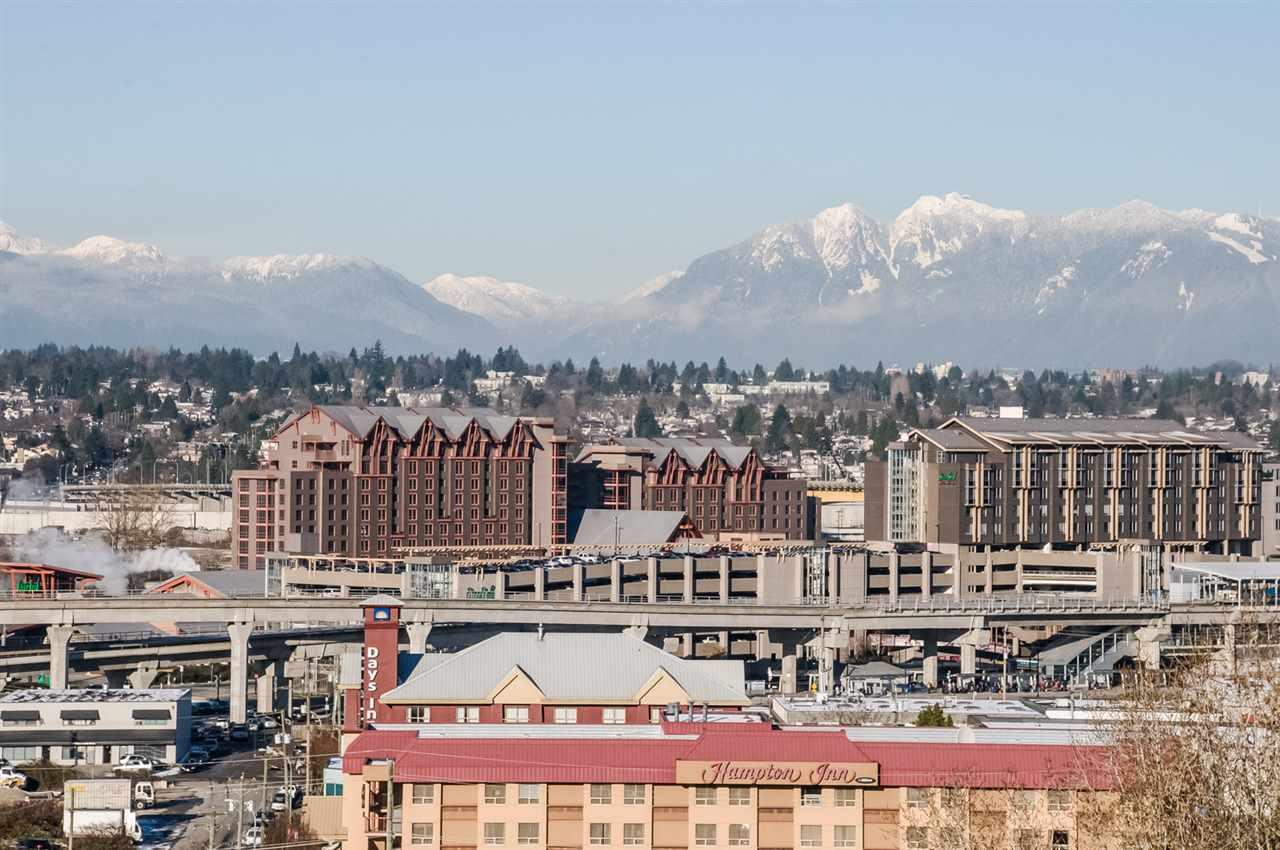 Condo Apartment at 1806 8833 HAZELBRIDGE WAY, Unit 1806, Richmond, British Columbia. Image 2
