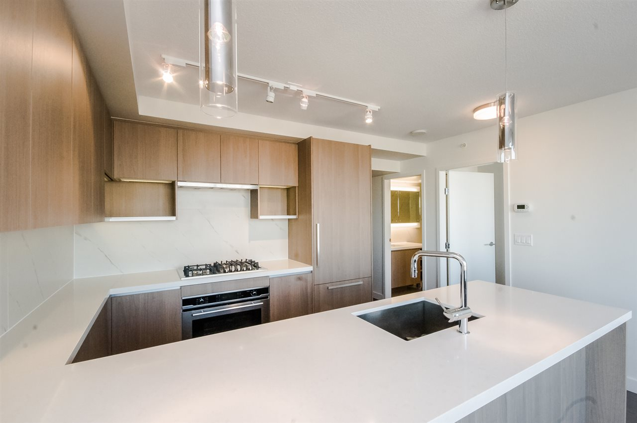 Condo Apartment at 1806 8833 HAZELBRIDGE WAY, Unit 1806, Richmond, British Columbia. Image 7