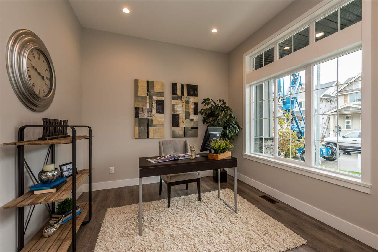 Detached at 20373 82A AVENUE, Langley, British Columbia. Image 3