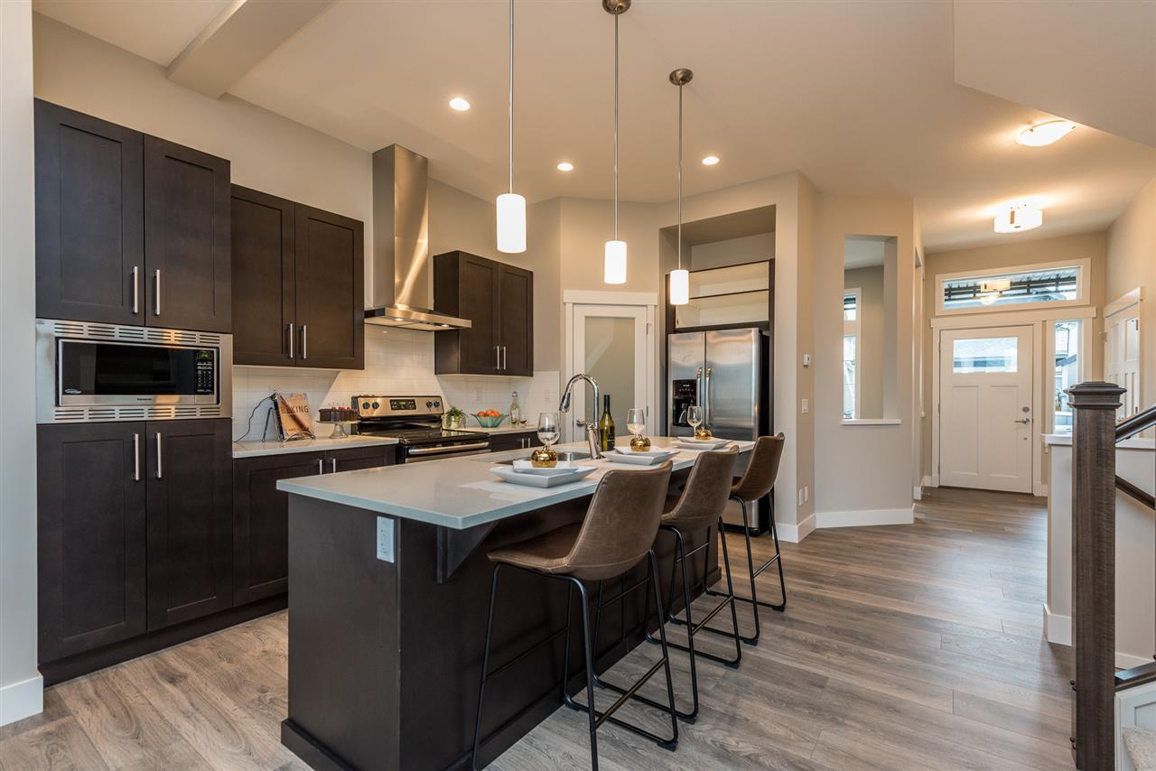 Detached at 20373 82A AVENUE, Langley, British Columbia. Image 5